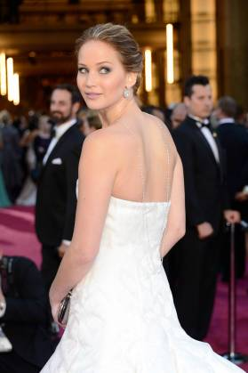 Jennifer Lawrence - Le Red Carpet de la 85eme Cérémonie des Oscars 033