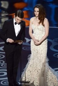 Kristen Stewart à la 85eme cérémonie des Oscars -La Remise des Oscars 05