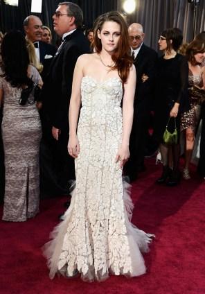 Kristen Stewart à la 85eme cérémonie des Oscars - Le Red Carpet 011