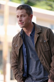 Once Upon A Time Saison 2 – Fiche Episode N°3 - Lady Of The Lake 015