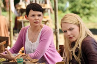 Once Upon A Time Saison 2 – Fiche Episode N°3 - Lady Of The Lake 024