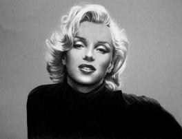 Marilyn PAssion Draw