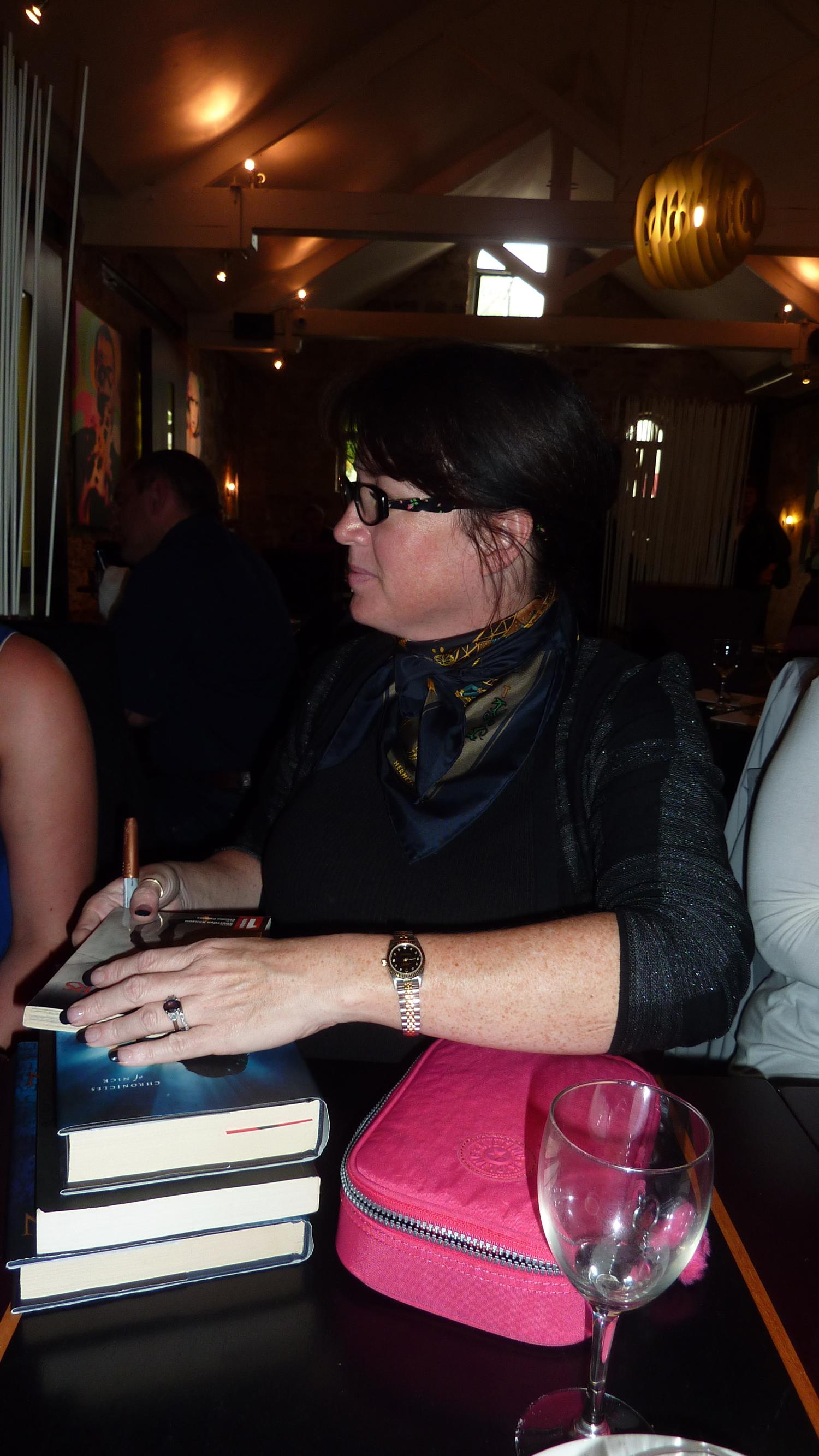 Sherrilyn Kenyon - Paris - 14-09-13 - 022