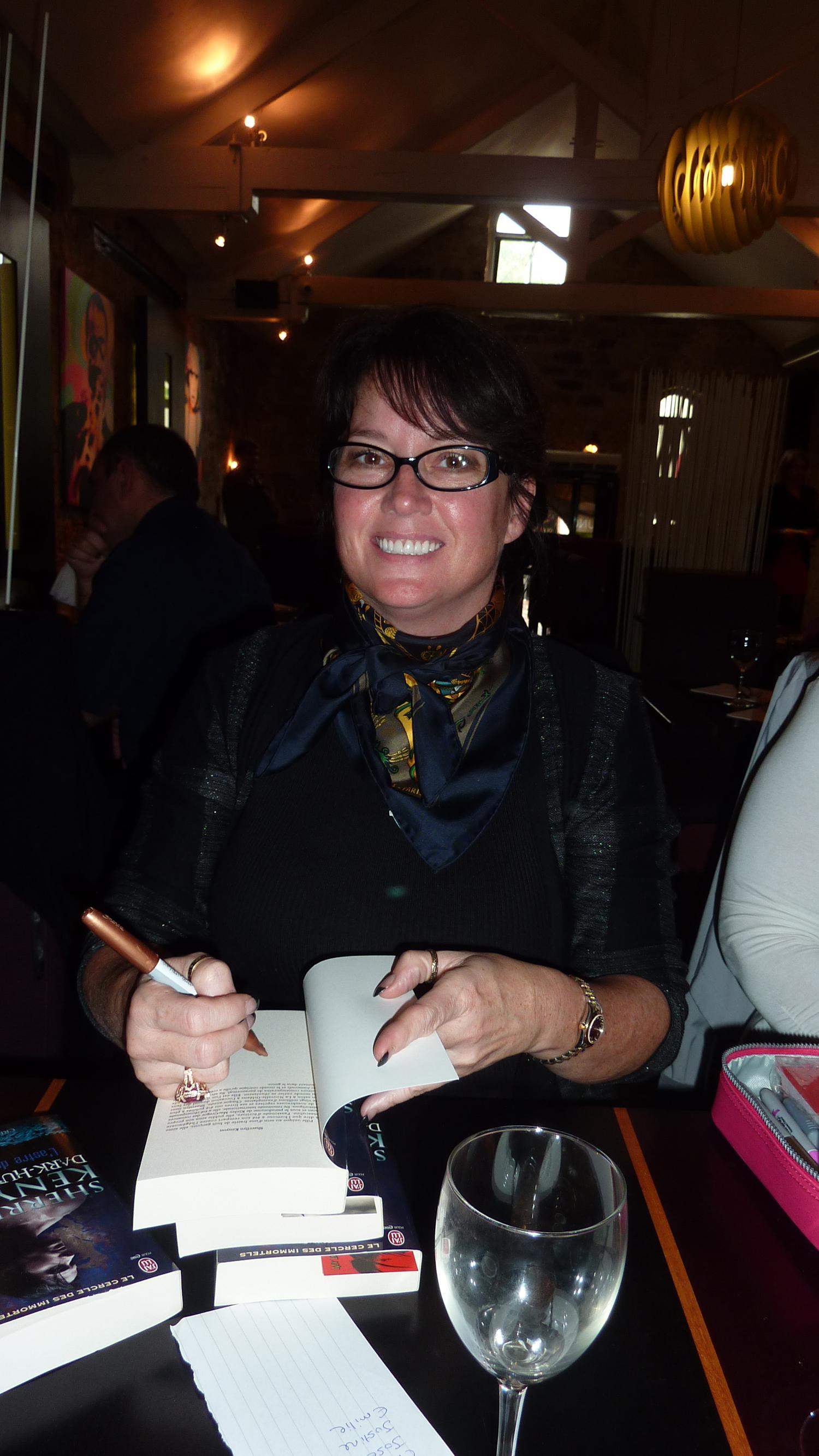 Sherrilyn Kenyon - Paris - 14-09-13 - 028
