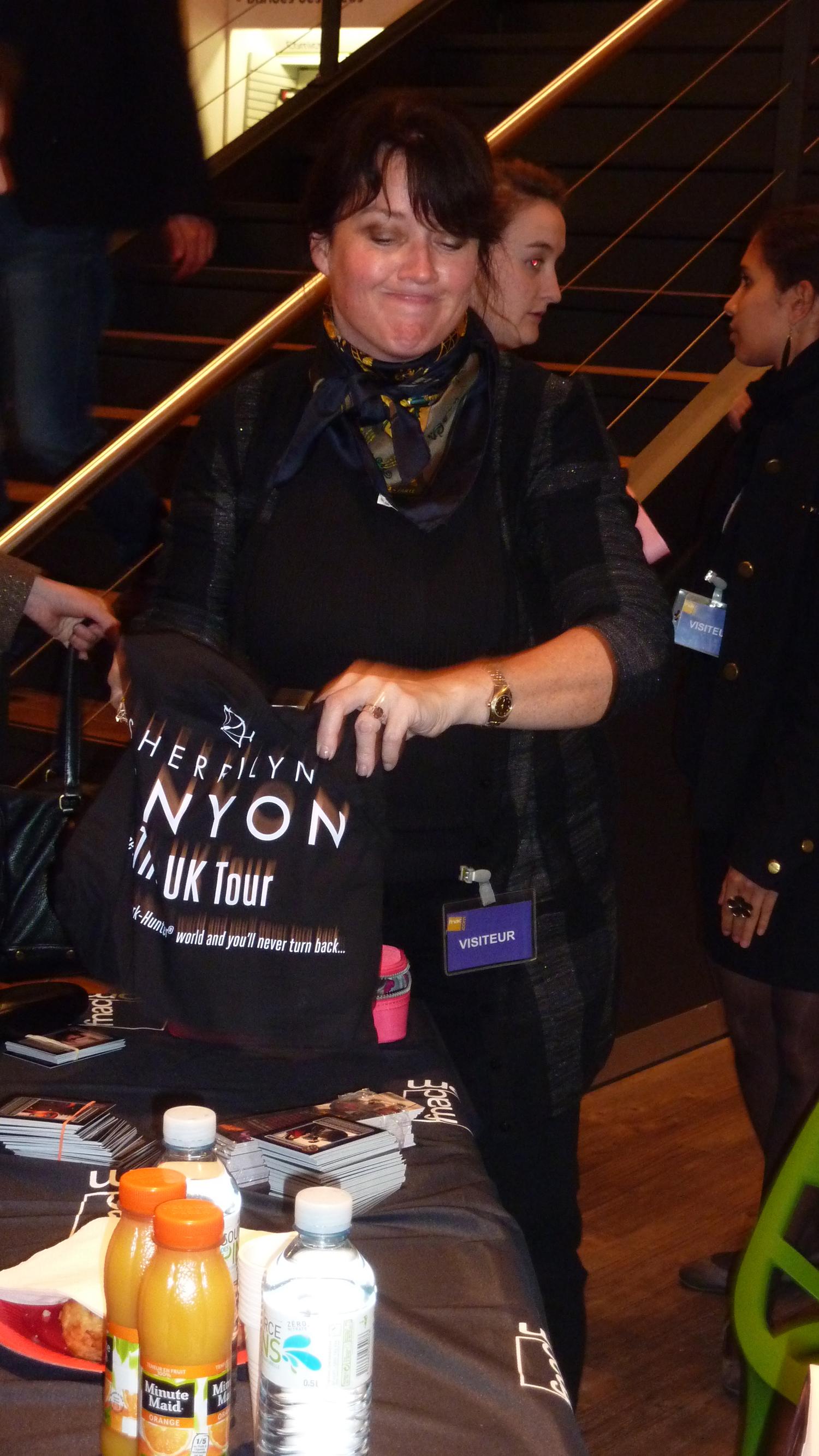Sherrilyn Kenyon - Paris - 14-09-13 - 037