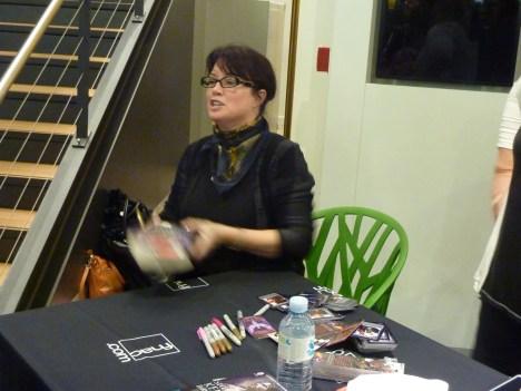 Sherrilyn Kenyon - Paris - 14-09-13 - 082