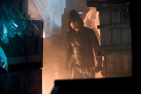 Arrow - S02E02 - Stills