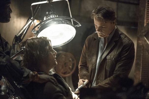 Arrow - S02E15 - Oliver et Ivo
