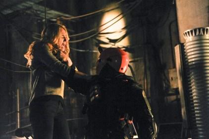 Arrow - S02E19 - Sara vs Deathstroke