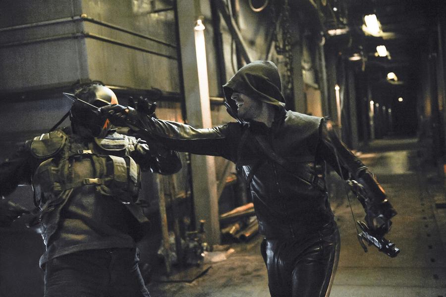 Arrow - S02E21 - Oliver Queen