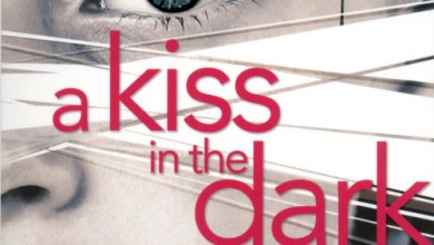 Photo de A Kiss in the Dark de Cat Clarke