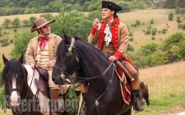 Le Fou ( Josh Gad) et Gaston (Luke Evans)