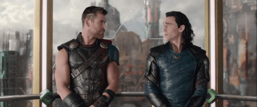 Thor Ragnarok - Thor et Loki assenseur, Quoi