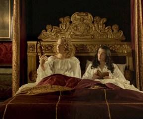 Versailles - Liselotte trouve la vierge dans son lit