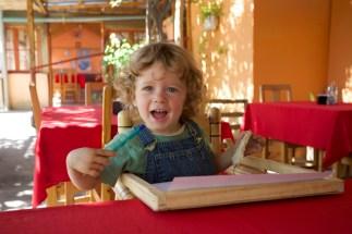 Villaseca : la cuisine solaire a l'air de plaire à Nils :-)