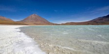 SUD LIPEZ / Laguna Verde au pied du stratovolcan andin Licancabur (5920m)