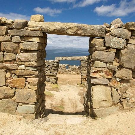 LAC TITICACA / Les ruines de Chincana sont les vestiges archéologiques les plus impressionnants de l'île. Ici, le palacio del Inca ressemblant à un labyrinthe de pièces.