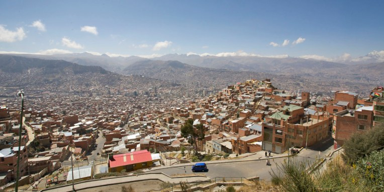 LA PAZ / Vue depuis El Alto. Cette ville d'1,4 millions d'habitants est tentaculaire !