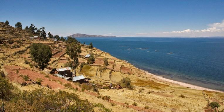 LAC TITICACA / Depuis la presqu'ile de Llachon vers l'ile Taquilé