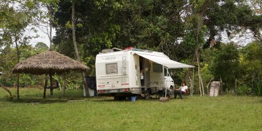 SAN AGUSTIN / Bivouac du camping Gamcelat. Recommandé en particulier si vous avez une famille.