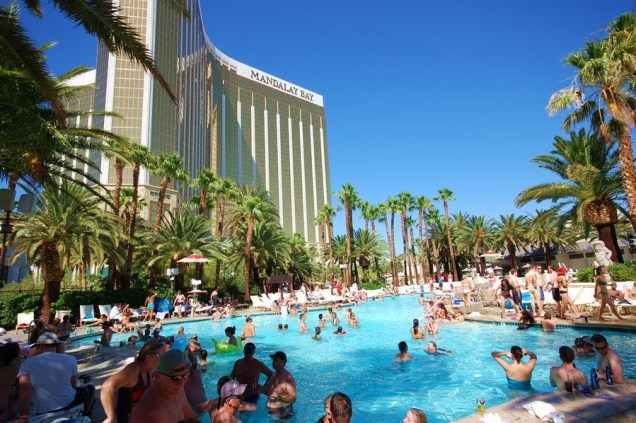 Mandalay-Bay-Pool
