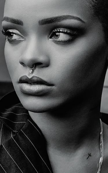 wallpapers-rihanna-para-celular-preto-e-branco