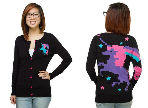 Unicórnio-suéter-estampa-colorida