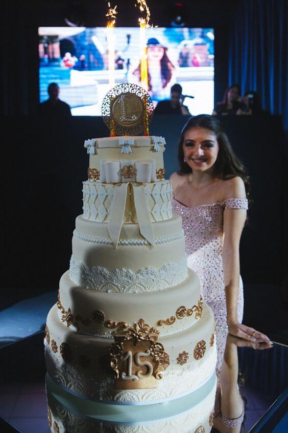 bolo-de-15-anos-lindo