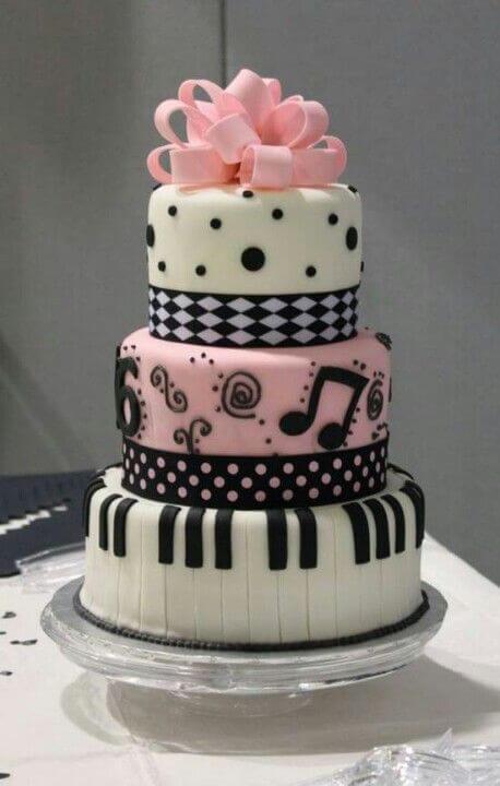 bolos-de-15-anos-3-andar-rosa-com-preto-musical
