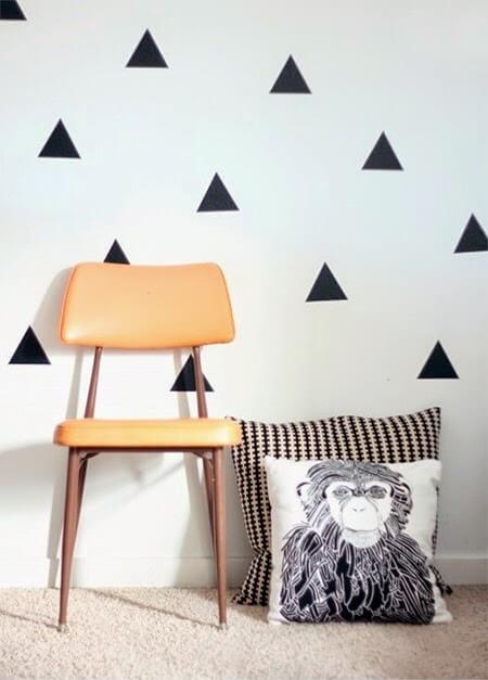 contact-na-parede-em-formato-geométrico