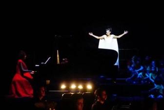 2017'VII'4. Teatro Real de Madrid. Estreno de Somos Naturaleza - Luna 1