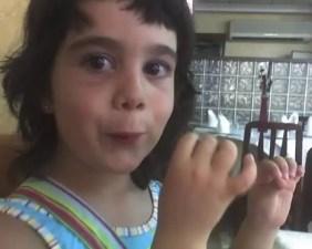 2006'VII. Ana López Caballero toca su flauta ficticia