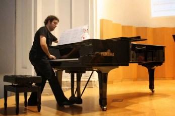 Gustavo Moreno at the premiere