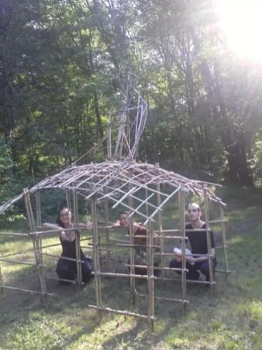 2011'IX. Estreno de '25 Ciudades 50 calles' - con Eloisa y Borja, bajo una estructura de Kathy Bruce