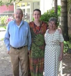 2012'VIII. El Salvador. Con los señores de la cafetería del Centro Nacional de las Artes