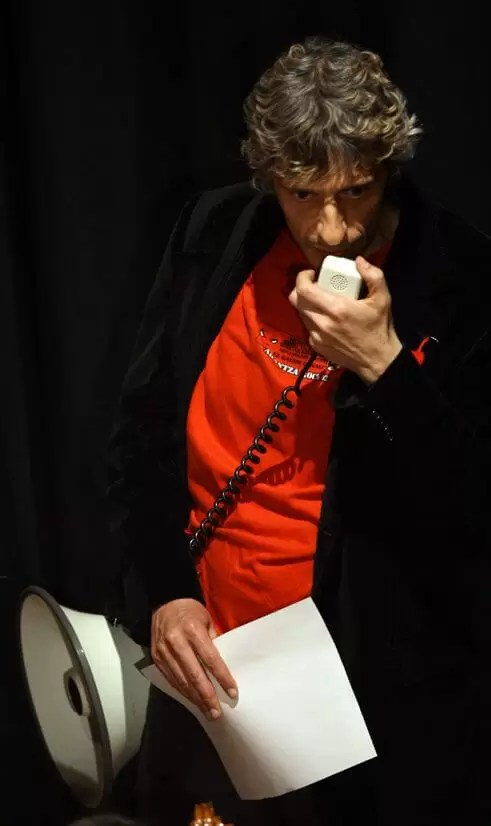 2010'V'9. Gira VBL - Almansa - Luismari canta 'Baga biga higa'