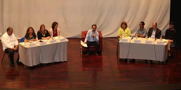 2017'II'17. San Salvador. Conversatorio en el MUNA - miembros del conversatorio