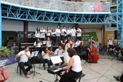 2017'II'21. San Salvador. Concierto en el Mercado Cuscatlán - concierto - 10 - 'Latinoamérica' con Egly Larreynaga