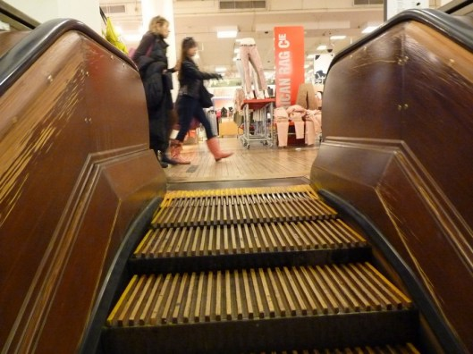 Escaleras de madera en Macy's