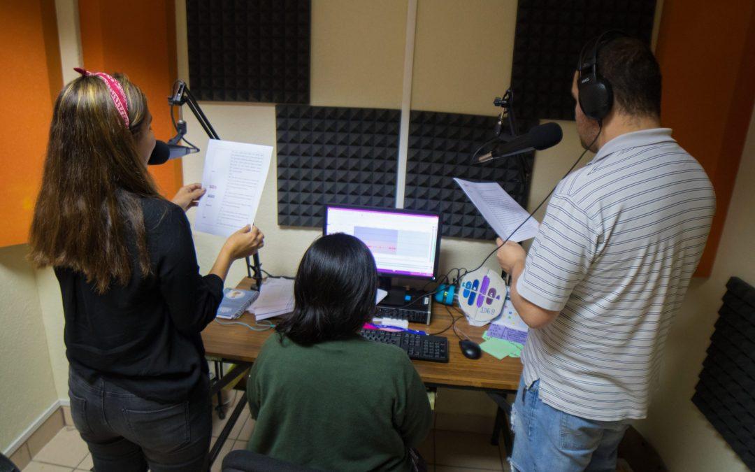 Radio revista Emprender con Éxito