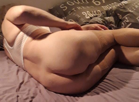 Marie är kåt i sängen