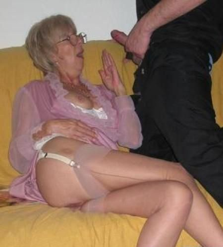 knulla äldre män gamla kåta tanter