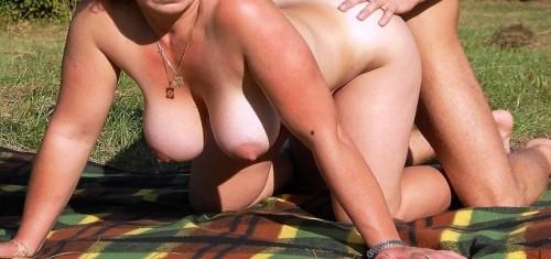 Lena knullar och det är sol