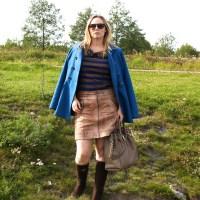 Shopping marathon in leather skirt