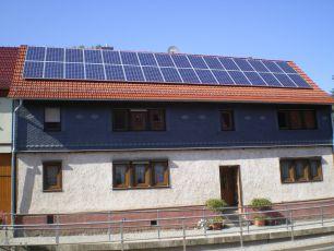 Photovoltaikanlage mit Q Cells in Ernstroda/ Thüringen