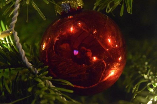 The old bauble reflection shot.