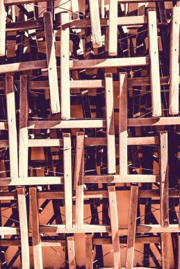 chairs, broken, kaputt, Reparatur, Athen, Athens, Greece, Muster, pattern, Holz, wood, Stapel, stack