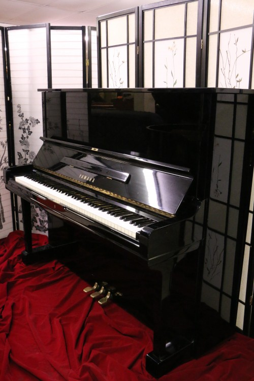 Yamaha U3 Ebony Gloss, Pristine, Low Mileage $5500.