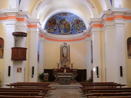 Chiesa_di_Santa_Maria_Lauretana_altare