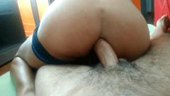 Sentando na pica grande